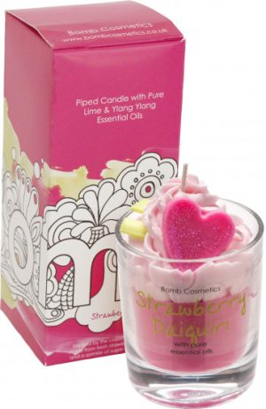 bomb cosmetics piped candle strawberry daiquiri