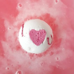 Heart That Glitters Bath Bomb, 160g - Bomb Cosmetics