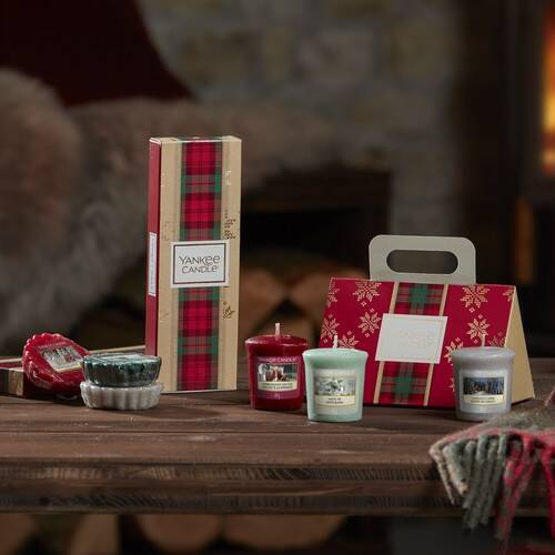 Yankee Candle 3 Wax Melt Gift Set - 2019 and votive purse