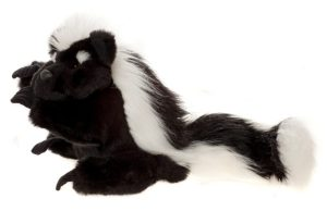 Pongo Skunk Hand Puppet, 57 cm – Charlie Bears Playtime Collection CB140042