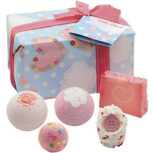 'Love Cloud' Bath Gift Pack - Bomb Cosmetics