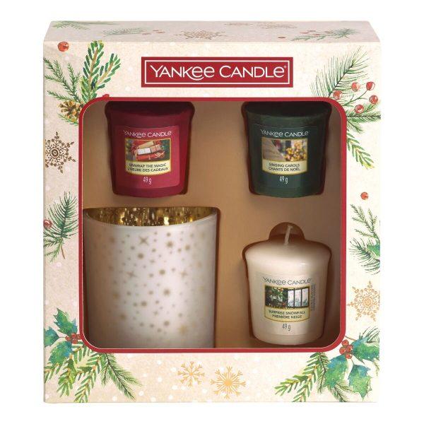 Yankee Candle 3 Votive Candle & Votive Holder Gift Set - Magical Christmas Morning